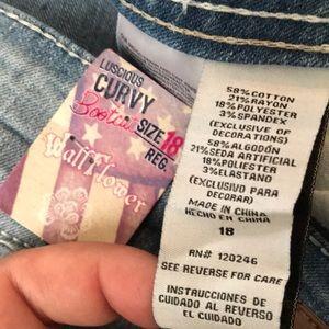 b0764bbc8c203 Wallflower Jeans - NWT Wallflower Plus Size 18 Curvy Bootcut Jeans